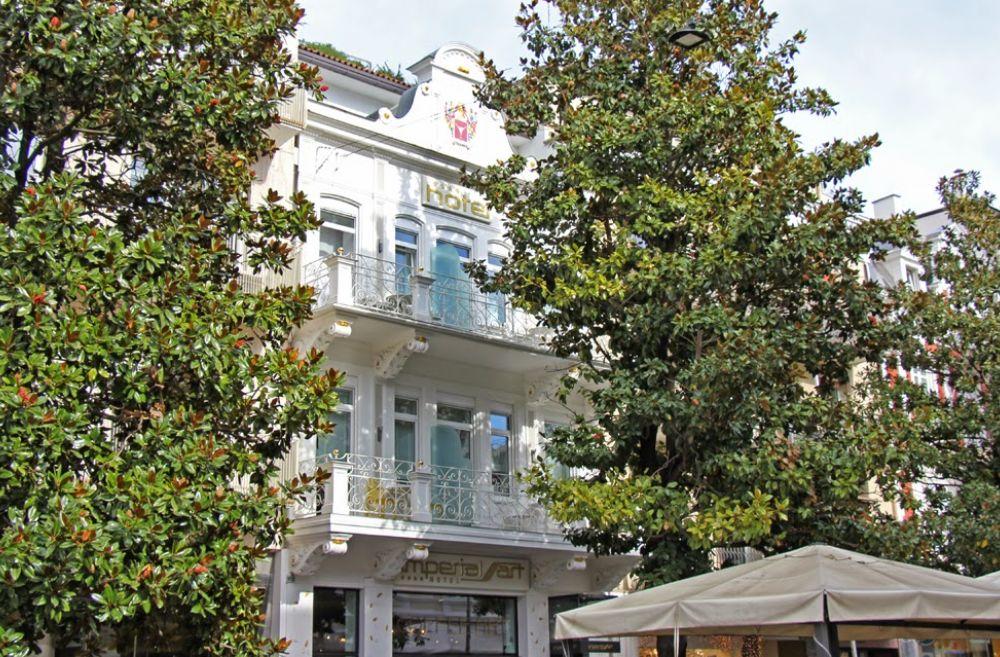 Weingut 7 g rten und ganz viel natur der kr nzelhof in for Hotel meran design