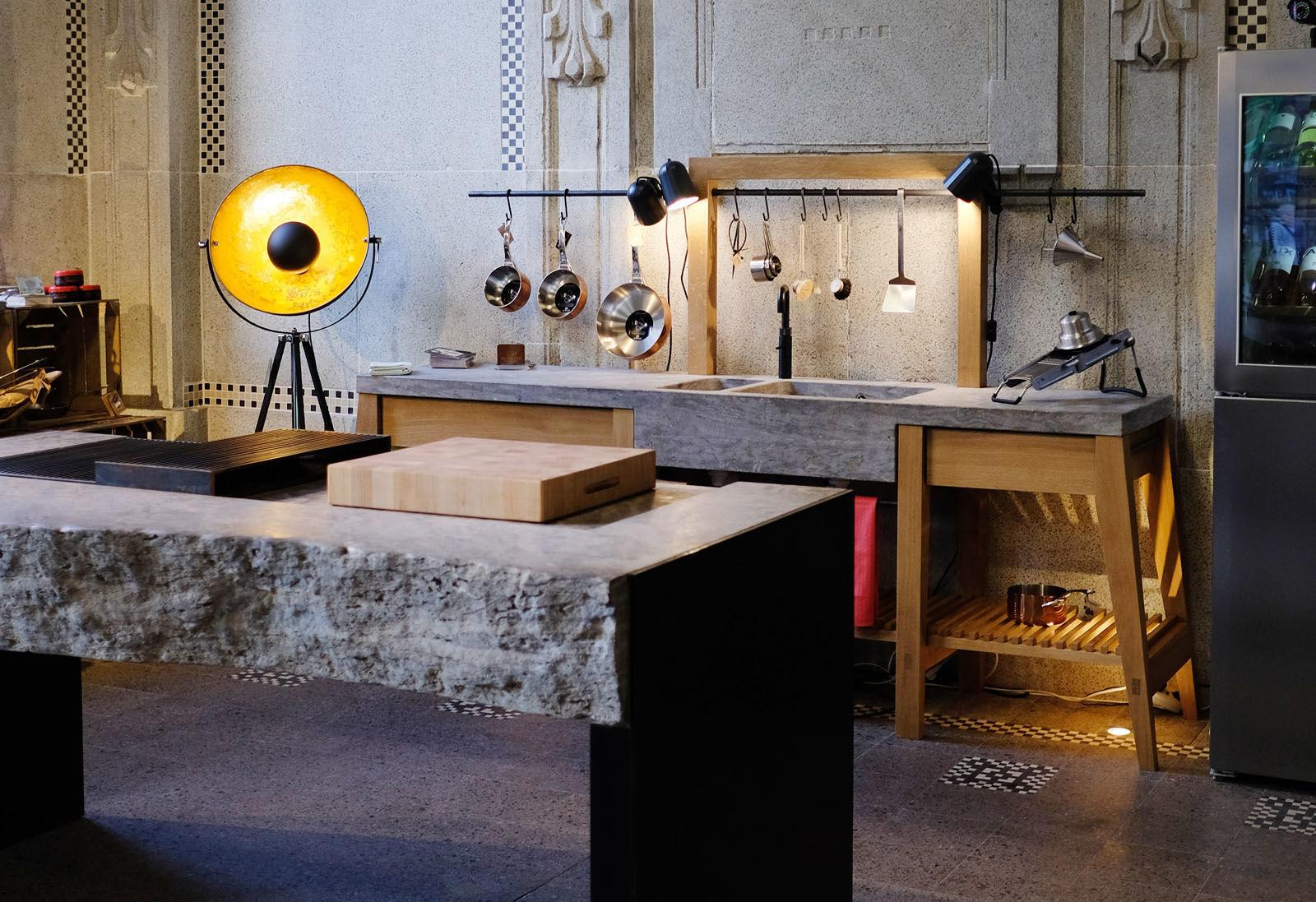 Outdoorküche Zubehör Berlin : Stein holz stahl u2013 küchen für drinnen und draußen am s bahnhof